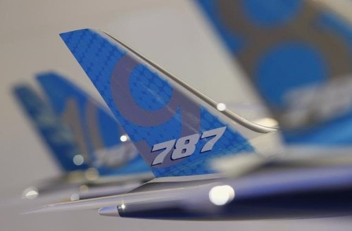 Boeing delivers 14 Dreamliners, strong cash flow seen: sources