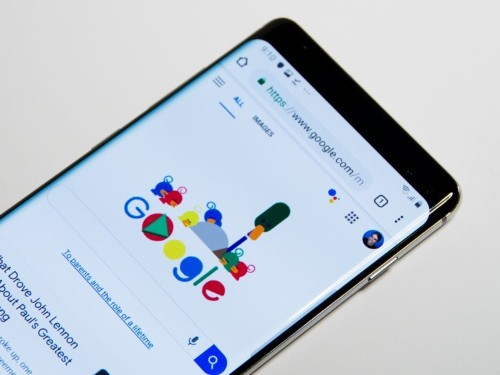 How to hide the camera notch on a Galaxy S10 in 2 ways
