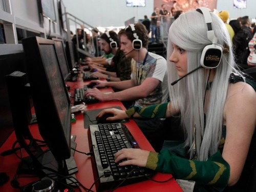 Female gamers have it bad: Study suggests women are targets for 'low-status, low-performing' male gamers