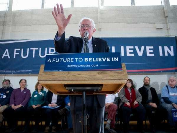 Bernie Sanders just vaulted into the lead over Hillary Clinton a new Iowa poll - Business Insider