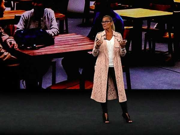 Angela Ahrendts pink Burberry coat: Why it matters - Business Insider