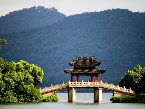 8 incredible destinations in China that haven't been discovered by tourists