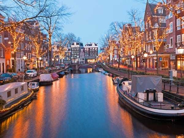 Check out this fancy house boat on sale in Amsterdam for $1.5 million - Business Insider