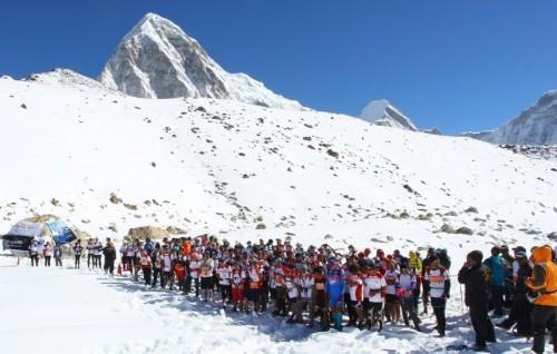World's highest marathon returns to quake-hit Everest
