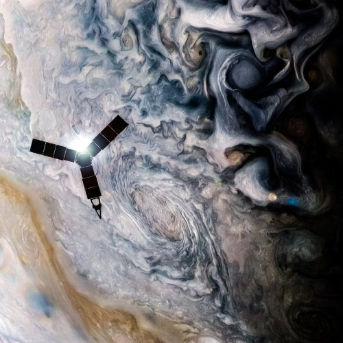 NASA's $1 billion Jupiter probe has taken mind-bending new photos of the gas giant
