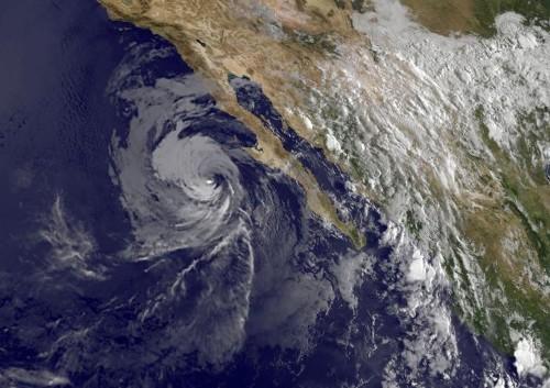 Tropical storm Norbert weaker, but still lashing Mexico coast