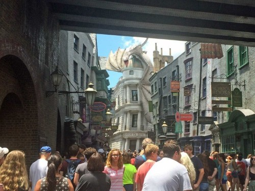 The New 'Harry Potter' Theme Park Is So Well Hidden In Universal, It's Someone's Job To Tell People Where To Go