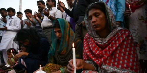 People around the world are honoring the victims of the Sri Lanka bombings which killed at least 310 people
