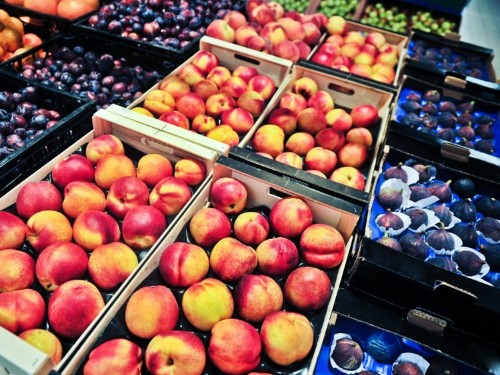 There is no such things as an 'unhealthy' fruit, but here's what you need to know about their benefits and drawbacks