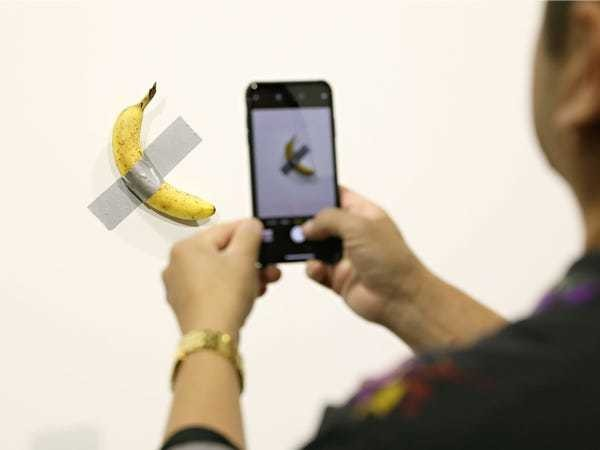 Buyers of $120,000 banana art call it 'the unicorn of the art world' - Business Insider