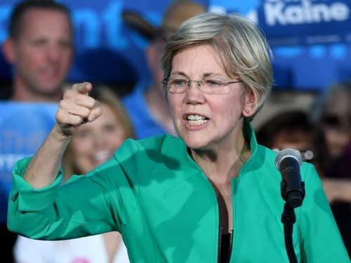 Elizabeth Warren promises to introduce legislation that will force Trump to divest from his business empire