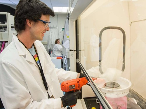 Scientists have created artificial tissues with a cotton candy machine