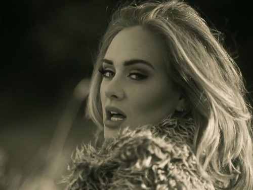How Adele's record-breaking 3.38 million sales of '25' compare to Taylor Swift's '1989'
