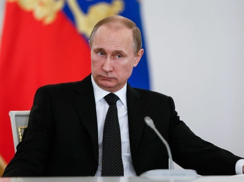Putin to Russian business leaders: Bring your money back or else you may not get to use it