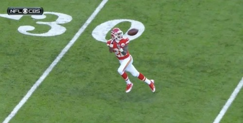 Kansas City Chiefs Player Has The Worst Dropped Pass Of The Year While Wide Open