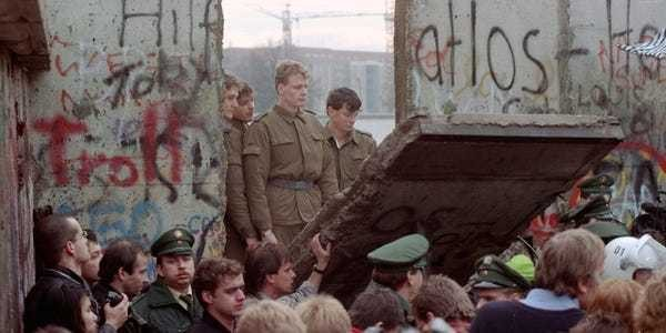 Fall of the Berlin Wall 30 years later: Witnesses remember 'Mauerfall' - Business Insider
