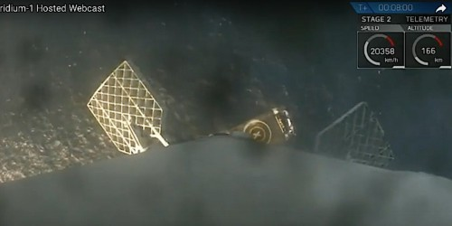 SpaceX just completed a flawless rocket landing — here's the incredible footage