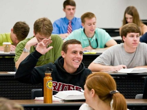 10 Of The Biggest Lies Students Hear Before They Get To College