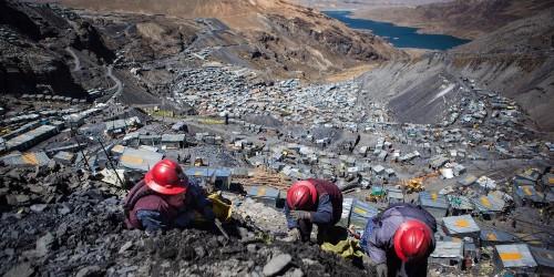 Amazing photos show life 16,000 feet above sea level in La Rinconada - Business Insider