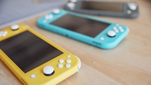 Should I buy a Nintendo Switch or a Nintendo Switch Lite? It depends.