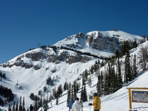 20 Mountains All Skiers And Snowboarders Should Visit In Their Lifetime