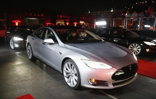 Tesla burns cash and loses more than $4,000 on every Model S sedan it sells