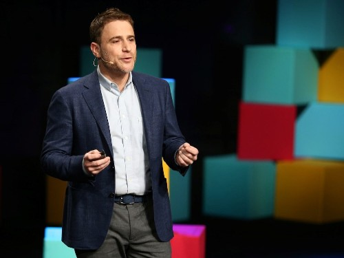Slack soars 50% above its reference price in unorthodox public offering