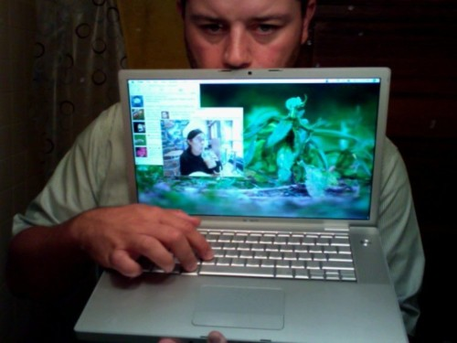 Hackers Have Found A Flaw In Macs And Are Using It To Control 17,000 Apple Computers ... Via Reddit
