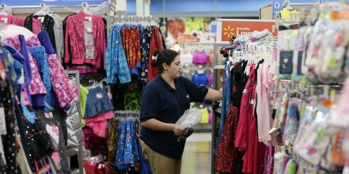 Wal-Mart Workers Are Furious That The Company Is Cutting Health Benefits And Raising Premiums