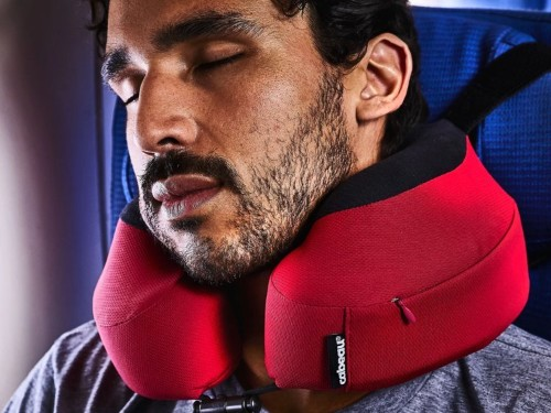 Cabeau Evolution S3 Travel Pillow: airplane pillow that attaches to seats