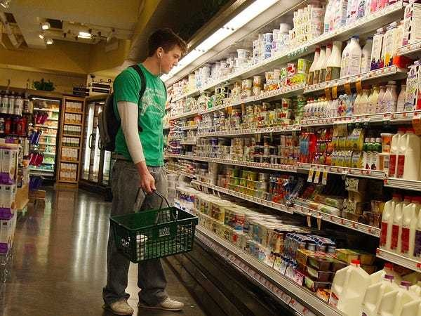 How I cut my $80-a-week grocery budget in half without eating less - Business Insider