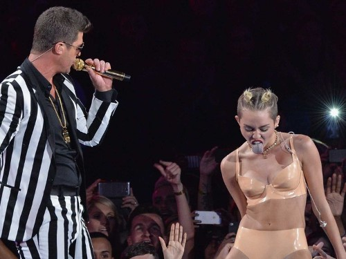 Miley Cyrus Axed From 'Vogue' Cover Because Of 'Distasteful' VMA Performance