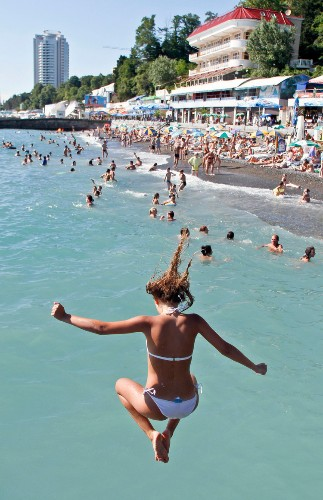Photos Of Sochi In Summer, When It's The Hottest Vacation Spot In Russia