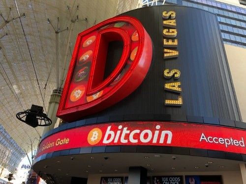 Buying bitcoin from a Las Vegas ATM proves how far bitcoin is from replacing real money