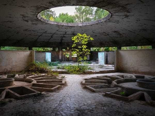 Haunting photos show an abandoned resort once used by Soviet elite and Joseph Stalin - Business Insider