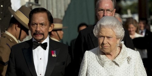 Calls for Royal Navy, RAF to strip Brunei Sultan of honours given by Queen - Business Insider