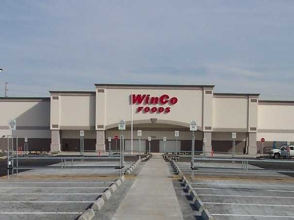 A Discount Grocery Chain Is Being Touted As 'Wal-Mart's Worst Nightmare'