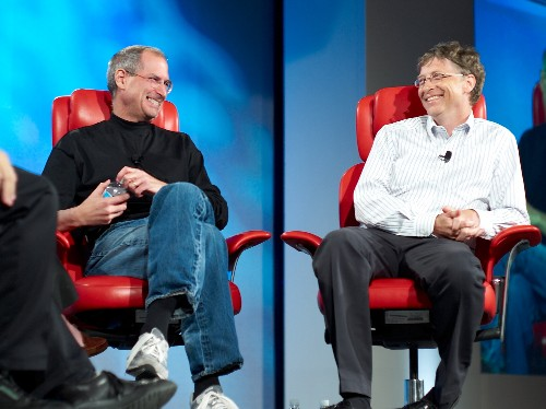 Bill Gates reveals the one thing his tech 'rival,' the late Steve Jobs, was always better at — enthralling an audience