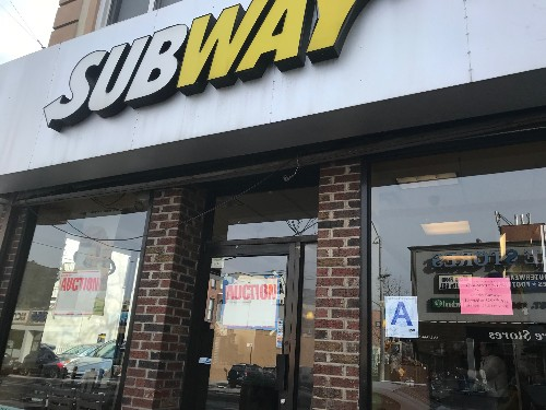 Subway haunted by franchise model that forces locations to close