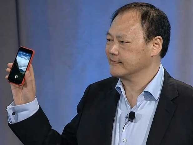 Mossberg's Facebook Phone Review: It's 'Elegantly Designed,' But It Has 'Downsides'
