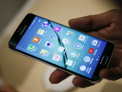 Details of the Samsung Galaxy S7 leaked one day after Apple's iPhone 6S announcement