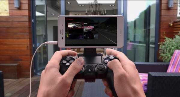 Sony PS4 Remote Play vs. Google Stadia for gaming on phone - Business Insider