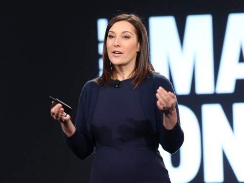8 leadership lessons from the book Facebook's HR chief recommends to all new managers