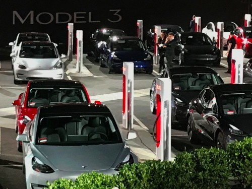 63,000 people have canceled their Tesla Model 3 orders