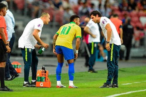 Neymar injured again just 12 minutes into Brazil's draw with Nigeria - Business Insider
