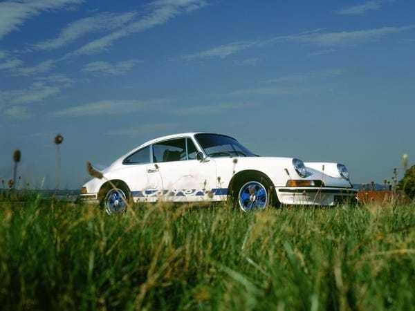 Billionaire car enthusiast sues car dealer over rebuilt Porsche - Business Insider