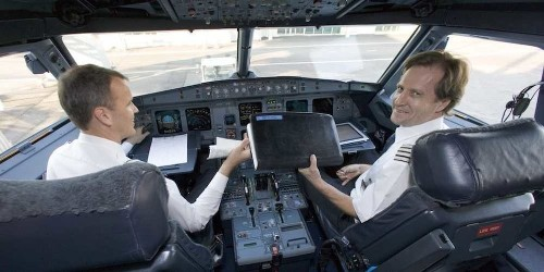 How To Land A Plane If The Pilot Has A Heart Attack