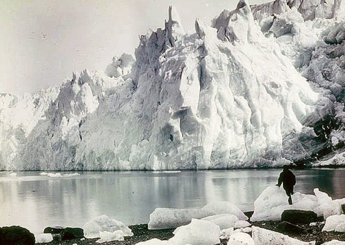 Unreal Photos From Shackleton's 1914 Antarctic Expedition