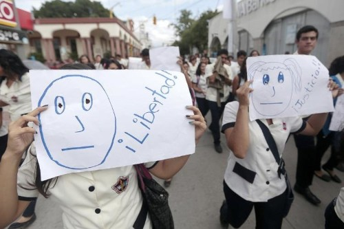 Mexico probes disappearance of 57 students