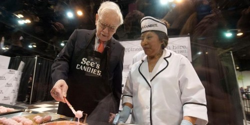 Warren Buffett loves using Valentine's Day to explain why See's Candies is his 'dream business'   Markets Insider